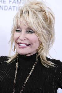 Dolly Parton, heroína de la pandemia: financió la vacuna de Moderna