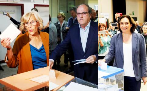 Foto de Directo |Los líderes políticos acuden a las urnas en una jornada sin incidentes