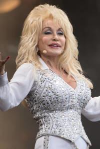 Dolly Parton quiere volver a ser portada de 'Playboy' (y debería serlo)