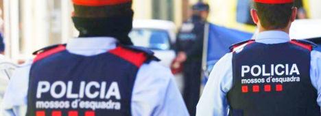 Foto de Los Mossos avisan a la JEC de que vigilarán que Torra no vuelva a colgar lazos