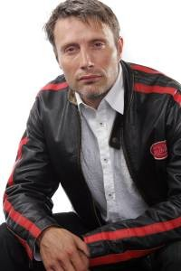 Mikkelsen, el sustituto de Johnny Depp: caballero, motero y cervecero