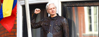 Foto de Julian Assange tiene una nueva causa: el referéndum de Cataluña