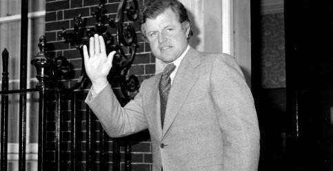 Foto de Ted Kennedy: 10 años después de su muerte se abre el cajón del #MeToo en el clan