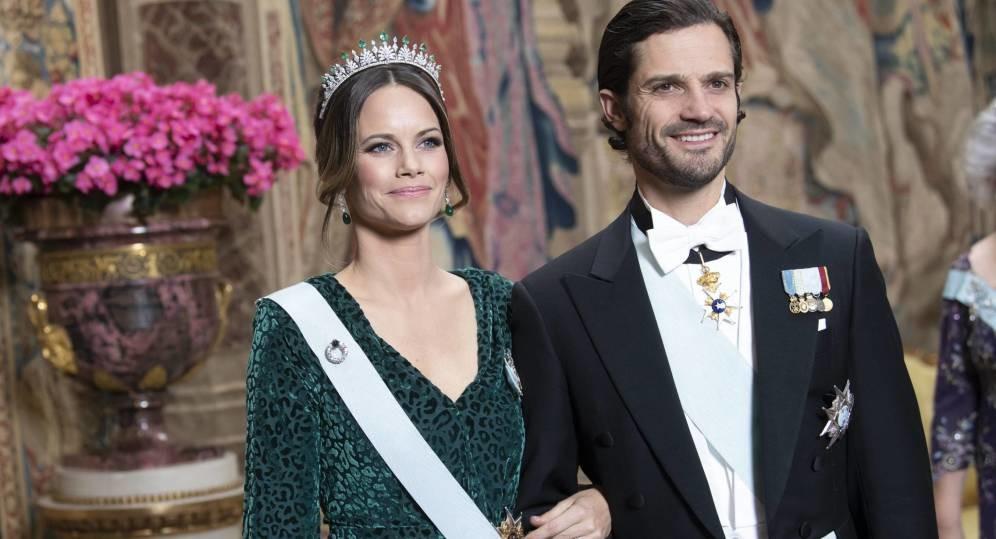 Foto de Victoria, Sofía y Silvia de Suecia: vestidos de gala, duelo de tiaras y guiños familiares