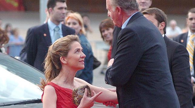 Foto de Las gestiones del Rey para sacar a su hija de España dan sus frutos