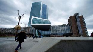 Foto de El coronavirus presiona a los bancos centrales y ahoga la estrategia del BCE