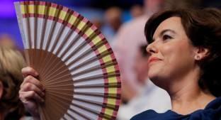 Foto de El simbolismo del vestido de Soraya (y el abanico tan comentado en las redes)