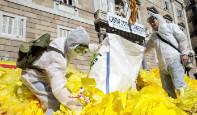 Foto de Otra querella a Torra por mantener un gran lazo dentro de la Generalitat