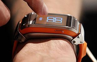 Foto de Samsung desvela sus armas:un reloj y un 'megateléfono' para la nueva temporada